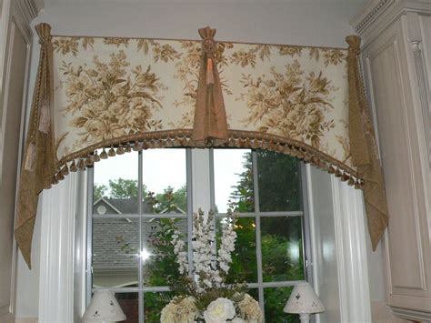 arched window treatments patterns custom window valance by caty 39 s cribs custommade com