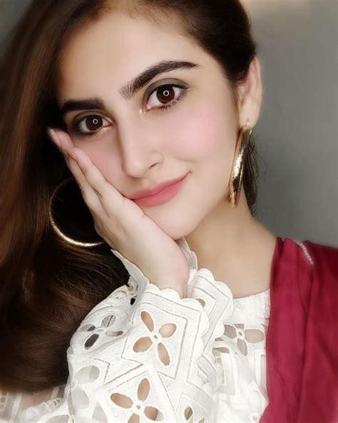 Latest Beautiful Clicks of Actress Hiba Bukhari ...