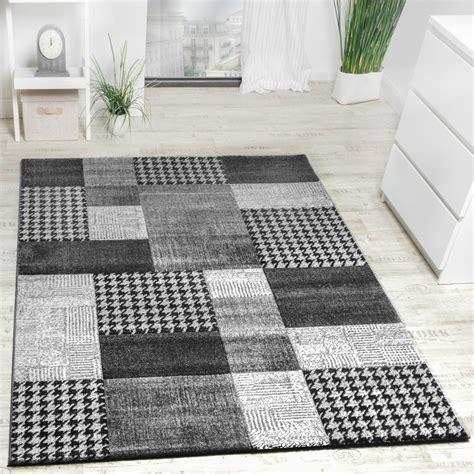 tappeti design moderno tappeto design moderno a quadri lavorato a mano con bordo