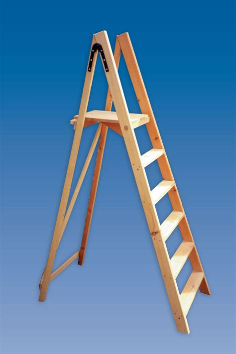 Contractor's Platform Wooden Step Ladders   Hulley Ladders