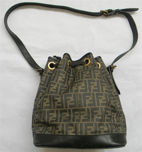 janji laku retro  vintage large fendi bucket cross body  sling bag