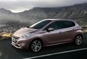 Photo Peugeot 208 : peugeot 208 d voil e sous toutes les coutures par 2 femmes ing nieures ~ Gottalentnigeria.com Avis de Voitures