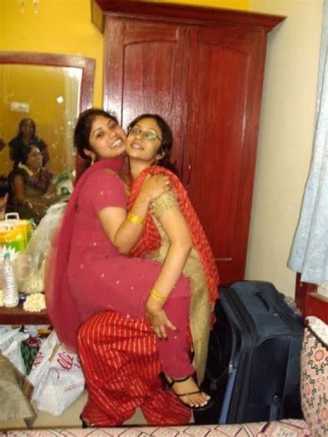 Aunty Dengulata Hot Desi Aunties Masala Pictures Hot