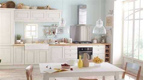 cuisine a repeindre refaire une cuisine ancienne relooker la cuisine