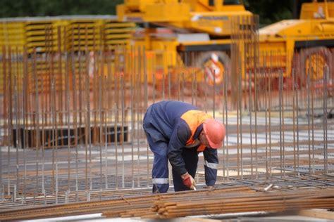Darba likuma grozījumi: koplīgumi un konkurences normas (I ...