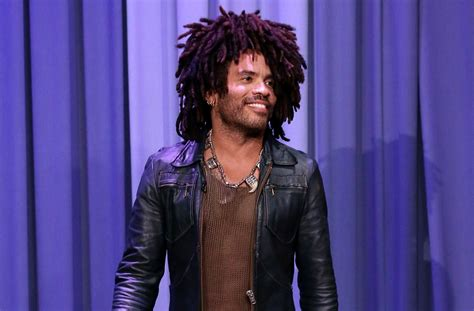 Did Lenny Kravitz Start The Blanket Scarf Trend Well Good