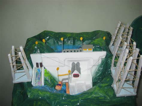 maqueta de reciclaje maqueta de reciclaje hidroelectrica