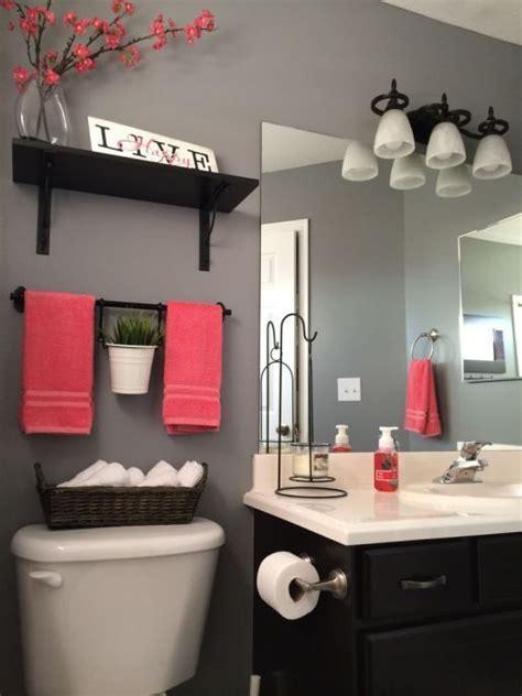 Bathroom Decor Ideas For Apartment by 25 Best Ideas About Apartment Bathroom Decorating On