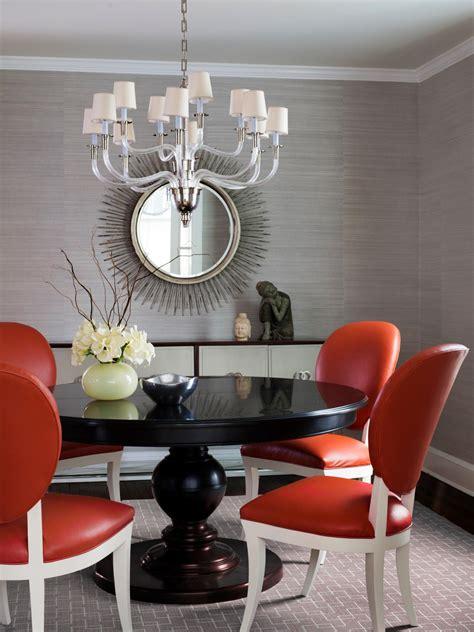 ways  dress   dining room walls hgtvs