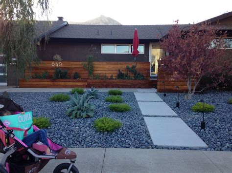 xeriscaped yard 27 best images about front concrete work on pinterest front yards walkways and front doors