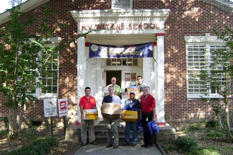 Office Supplies Jackson Ms by Employees Provide School Supplies To Watkins Elementary