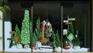 Black*Eiffel: Anthropologie Christmas Window Displays 2010