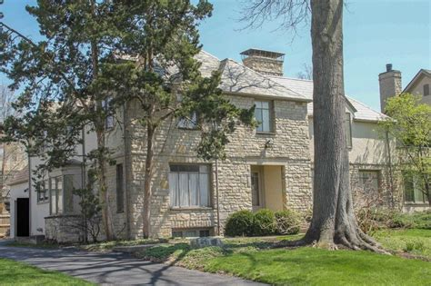 In Upper Arlington, Someone's 1970s Dream Home Just Went On The Market