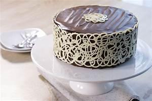 Décoration De Gateau : mudcake chocolat d co dentelle youtube ~ Melissatoandfro.com Idées de Décoration