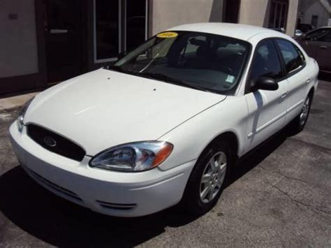 all car manuals free 2006 ford taurus interior lighting sell used 2006 ford taurus se in 325 w 2nd st rushville indiana united states for us 2 900 00