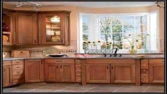 woodmark kitchen cabinets american woodmark kitchen with charlottesville cabinets courtesy