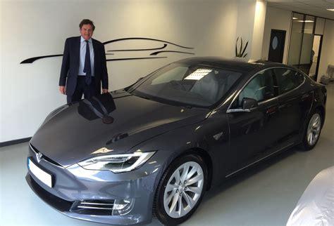tesla model  facelift arrives gkl vehicle leasing