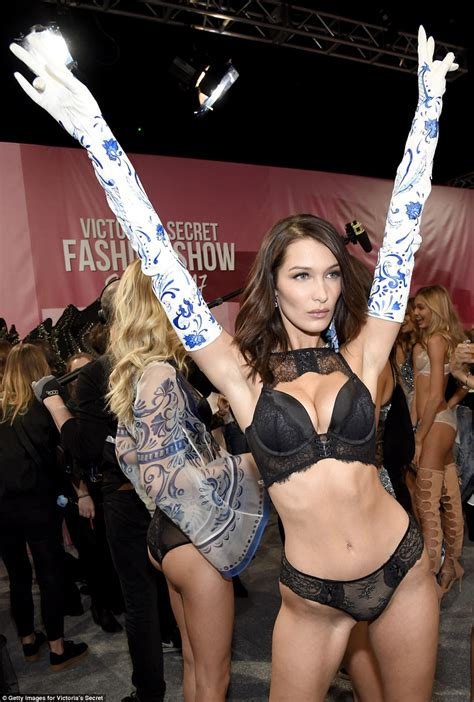 bella hadid suffers a nip slip at victoria 39 s secret show