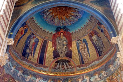 mosaici  edward burne jones nella chiesa romana  san