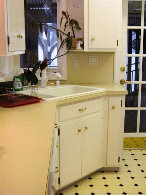 Budgetfriendly Beforeandafter Kitchen Makeovers  Diy