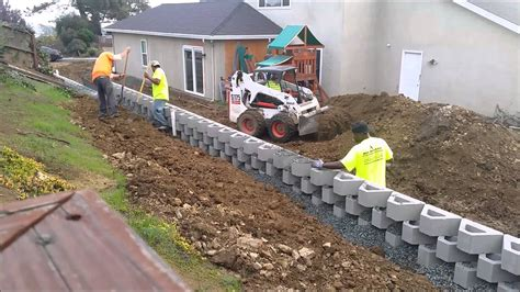 backfilling a retaining wall drainage backfill retaining wall construction benicia ca time lapse youtube