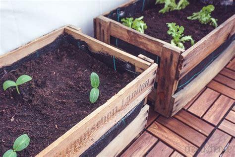 Weinkisten Garten by Diy Outdoor Balkon Garten Mit Weinkisten Balkonliebe