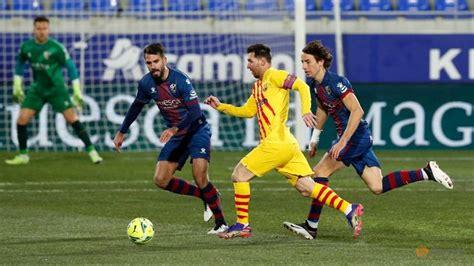 Football: Barcelona earn narrow win over Huesca - CNA
