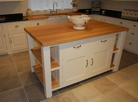 how to build an kitchen island diy simple rustic kitchen islands fall home decor 8508