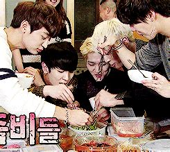shinee eating  pop amino