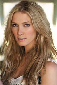 Delta Goodrem...love her hair too! Gorgeous make-up in ...