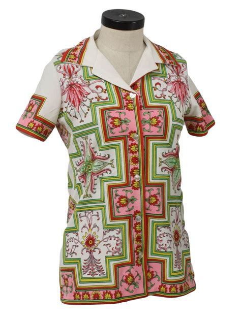 retro knit shirt  care label womens white
