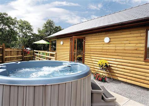 log cabin tub breaks uk heartsease lodges powys mid wales rentals with