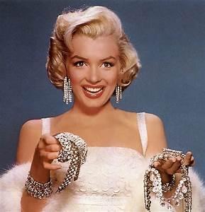 """Marilyn Monroe, """"Diamonds Are a Girl's Best Friend ..."""