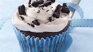 low calorie cupcake recipes oreo cookies and cream cupcakes recipe bettycrocker com