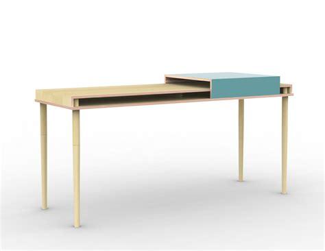 bureau avec tablette coulissante bureau plateau multiplis de bouleau et laque