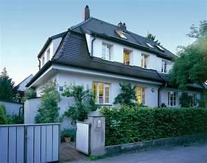 Erker Anbauen Beispiele : statt gro em anbau punktuelles wachstum altbau ~ Lizthompson.info Haus und Dekorationen