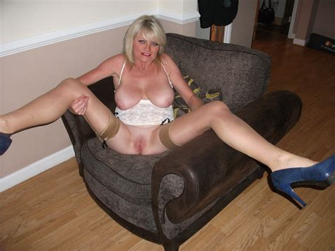 NAUGHTY MUMMY Page Sean In Gallery UK Amateur