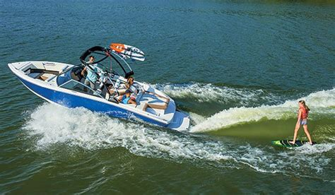 Malibu Boats Ceo by Everybody S Surfin Boating Industry