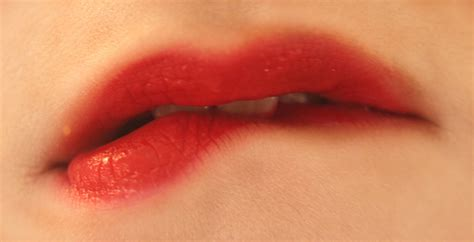 beautiful painted lips snappy pixels