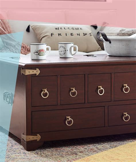 Buy pottery barn friends apothecary coffee table online from pottery barn kuwait in kuwait city. Pottery Barn Is Bringing Back the 'Friends' Apothecary Table | Real Simple