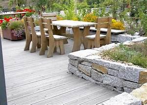 Terrassenmöbel Für Kleine Terrassen : terrasse mit kleiner mauer terrassengestaltung ~ Markanthonyermac.com Haus und Dekorationen