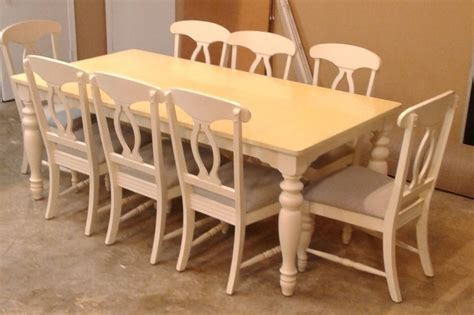 broyhill dining table 8 chairs delmarva furniture