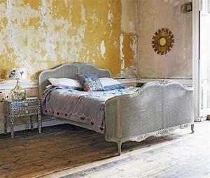 Metall vintage schlafzimmer m bel bett nachttisch gelbe for Vintage schlafzimmer
