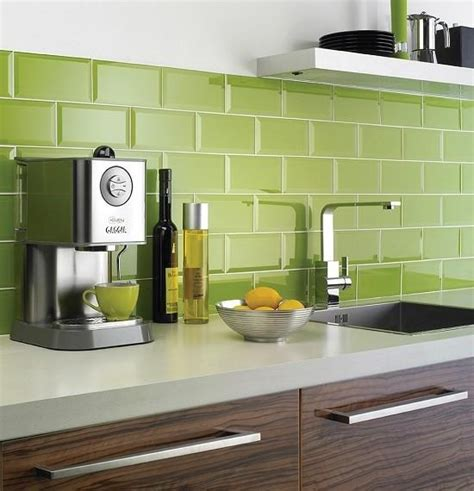lime green kitchen tiles greenery a cor de 2017 nos revestimentos 7105
