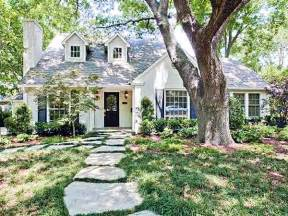 cottage style homes such a charming cottage home the walk up 5011 lilac bluffview dallas