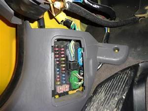 Purchase 01 Ford Escape Fuse Box 822108 Motorcycle In Ames