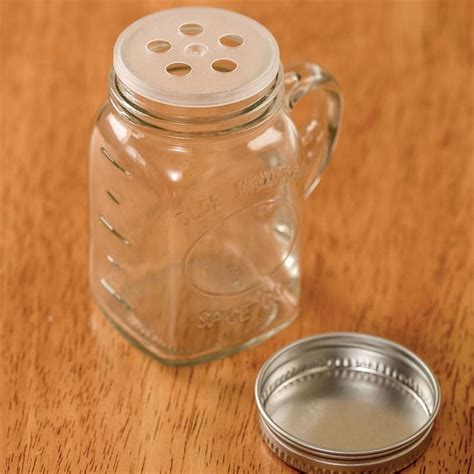 Mini Spice Jars by 17 Best Images About Kitchen Gadgets Non Electric On