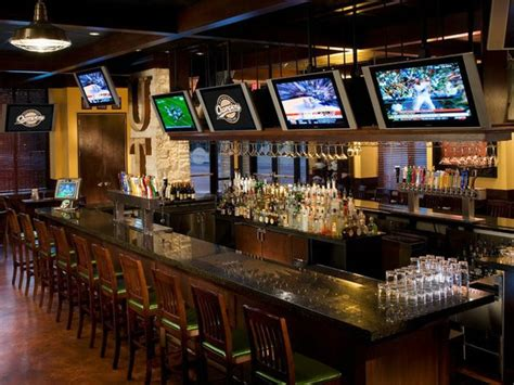 The 11 Best Bars For Your Fantasy Football Draft Party