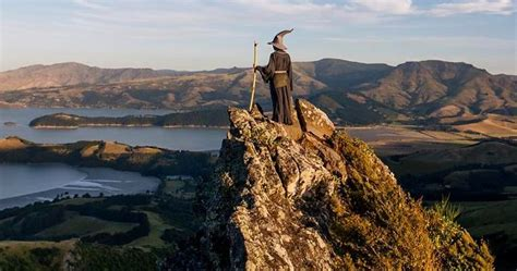 Photographer Travels Across New Zealand With Gandalf