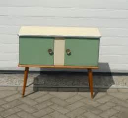 Petit Meuble En Bois : petit meuble vert en bois 1950 design market ~ Teatrodelosmanantiales.com Idées de Décoration